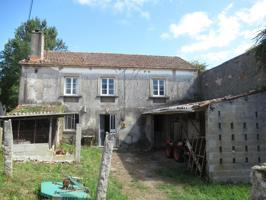 Casa - Chalet en venta en Betanzos de 175 m2 photo 0