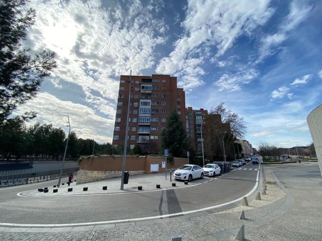 PRECIOSO PISO DE 4 HABITACIONES Y 2 BAÑOS EN AVENIDA DE PORTUGAL photo 0