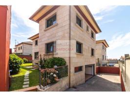 Casa unifamiliar en venta en Bouzas photo 0