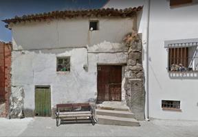 En San Martín de Valdeiglesias Se Vende CASA DE PUEBLO para reformar muy céntrica photo 0