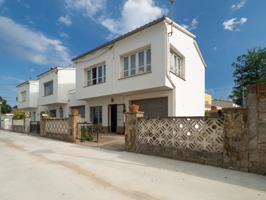 Casa con 4 habitaciones situada cerca de la playa de Riells photo 0