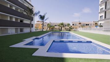 Residencial con piscina en Villamartín photo 0