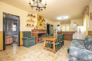 Casa En venta en Guadalcanal photo 0