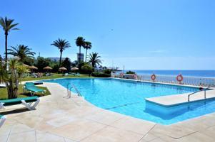 Apartamento en primera línea de Playa con grandes calidades photo 0