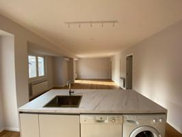 Centro de Ourense venta piso completamente reformado photo 0