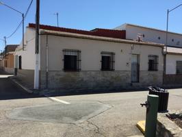 Casa En venta en Calle Jardines, 9, Arenas De San Juan photo 0