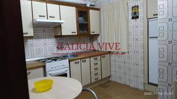 Pontevedra, en la planta 3. Es un piso que tiene 110 m2 y dispone de 5 habitaciones y 3 baños. photo 0
