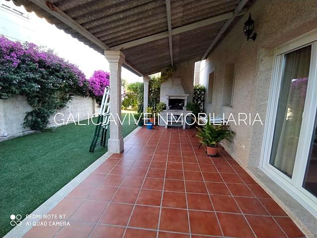 Casa En venta en Calle Sinas, Vilanova De Arousa photo 0