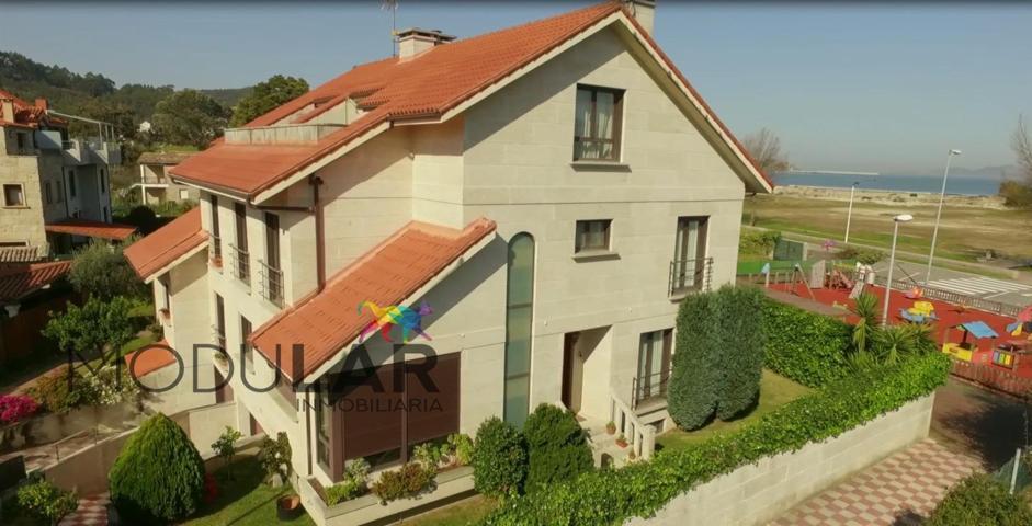 Casa - Chalet en venta en Baiona de 400 m2 photo 0