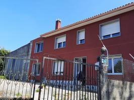 Se vende casa a 10 minutos de Carballo con 3 dormitorios, 2 baños y garaje. photo 0