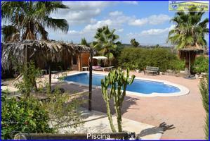 Parcela con casa de madera y piscina en Matanzas photo 0