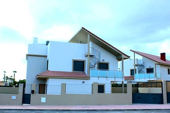 Villas pareadas a estrenar en Amarilla Golf photo 0
