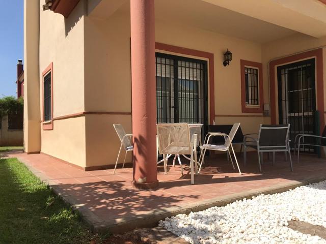 Oportunidad Urb. Villas de la Herencia! Chalet independiente en Umbrete con piscina photo 0