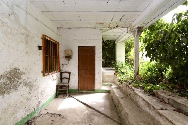 Gran casa con jardín privado. photo 0