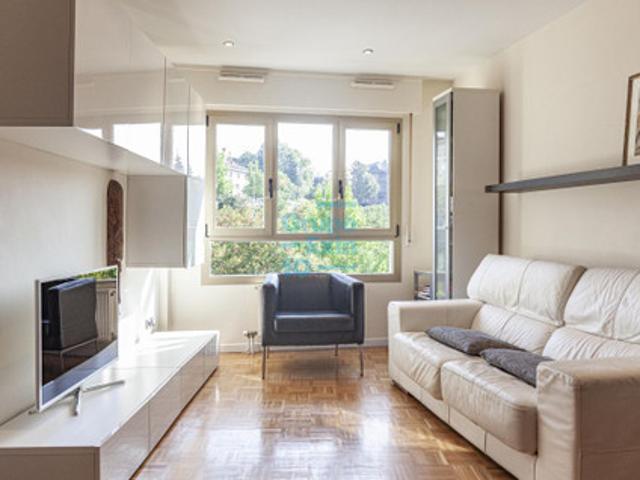 Aiete. Merkezabal. Bonito piso de dos dormitorios en esquina muy luminoso con vistas despejadas. photo 0