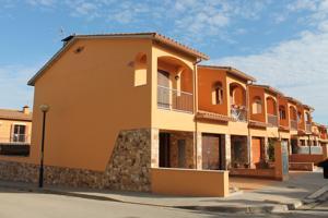 Casa En venta en Carrer Can Vinyes, 16, Bellcaire D'Empordà photo 0