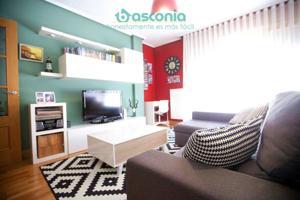 Inmobiliaria Basconia gestiona piso en San Esteban con garaje y trastero. photo 0
