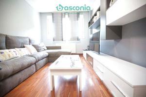 Inmobiliaria Basconia gestiona en exclusiva piso en Aperribai con ascensor, garaje y trastero incluidos photo 0