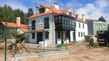 Casa En venta en *bastiagueiro, Oleiros photo 0