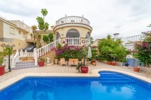 Casa o Chalet independiente en venta en Monte y Mar photo 0