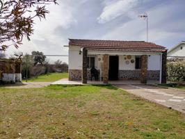 Casa en venta en Cerezo de Mohernando photo 0