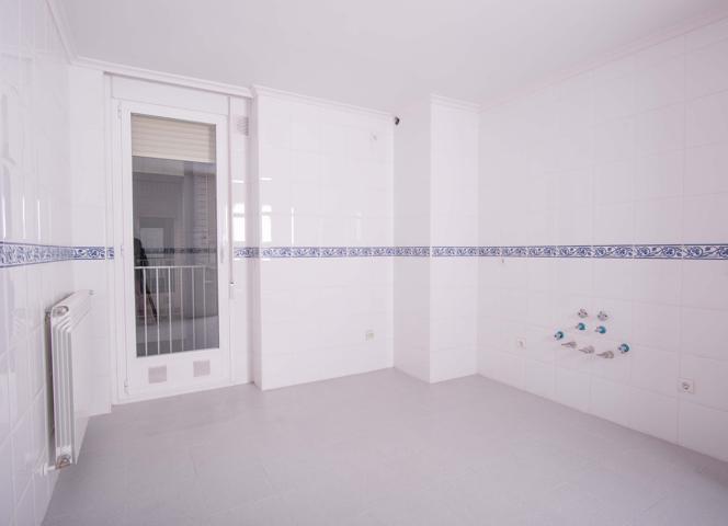 Vivienda 3 Dormitorios NUEVA con dos baños Trastero y 2 Cocheras photo 0