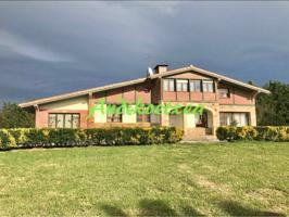 Casa unifamiliar en venta en Mungia photo 0