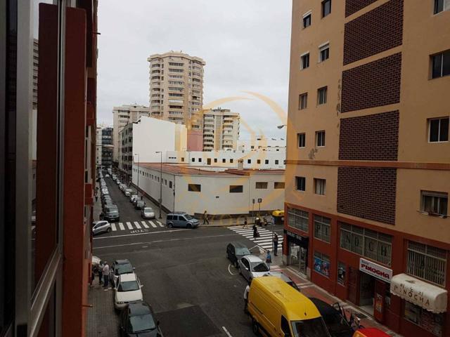 Piso en venta en Puerto Canteras photo 0