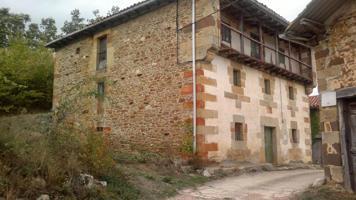 Casa En venta en Valle De Manzanedo photo 0