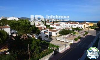 Piso - Apartamento en venta en Castello D'Empuries, con 59 m2, 2 habitaciones y 1 baños, Piscina, Amueblado y Aire acondicionado. photo 0