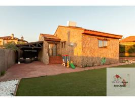Casa unifamiliar en venta en Chiloeches photo 0