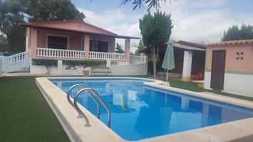 Villa En venta en Los Montesinos photo 0