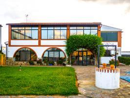 Venta de finca ganadera y residencial en Badajoz con plaza de toros. photo 0