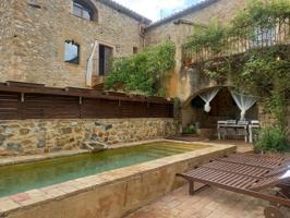 En el bello pueblo de Vilert, en una zona muy tranquila, se encuentra esta magnifica casa de pueblo totalmente rehabilitada. photo 0