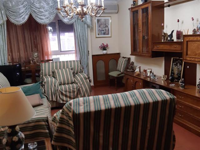 Amplia vivienda en la zona de San Anton- Toledo photo 0