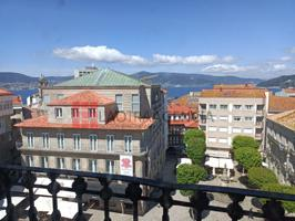 Piso En venta en Casco Viejo, Vigo photo 0