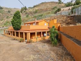 Casa-Chalet en Venta de dos plantas con Terraza transitable, luminoso y agradable. photo 0