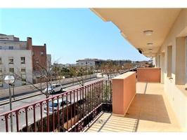 Apartamento en venta en Centre-Port Marítim photo 0