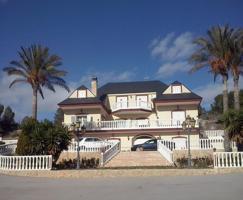 Villa de lujo rodeada de Almendros y Olivos photo 0