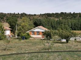 Casa de campo en venta en Aguilar de Campoo photo 0