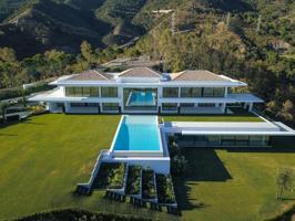Villa a la venta con espectaculares vistas al mar, al golf y la montaña photo 0