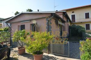 Casa In vendita in Via Roma, Arolo, 21038, Leggiuno, Va photo 0