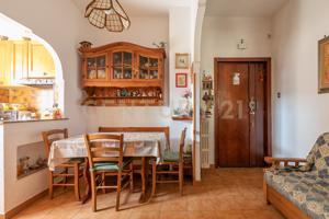 Appartamento In vendita in Via Rosa Guarnieri Carducci, Garbatella, 00118, Roma, Rm photo 0