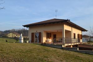 Casa In vendita in Località Serravalle, 14100, Asti, At photo 0