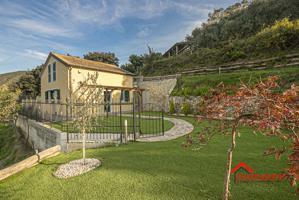Casa In vendita in Via Scarpanto, Prà, 16121, Genova, Ge photo 0