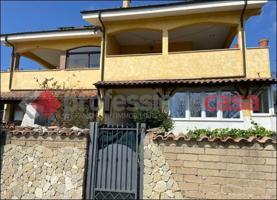 Casa In vendita in Via Degli Abeti, Castagnetta, 00040, Pomezia, Rm photo 0
